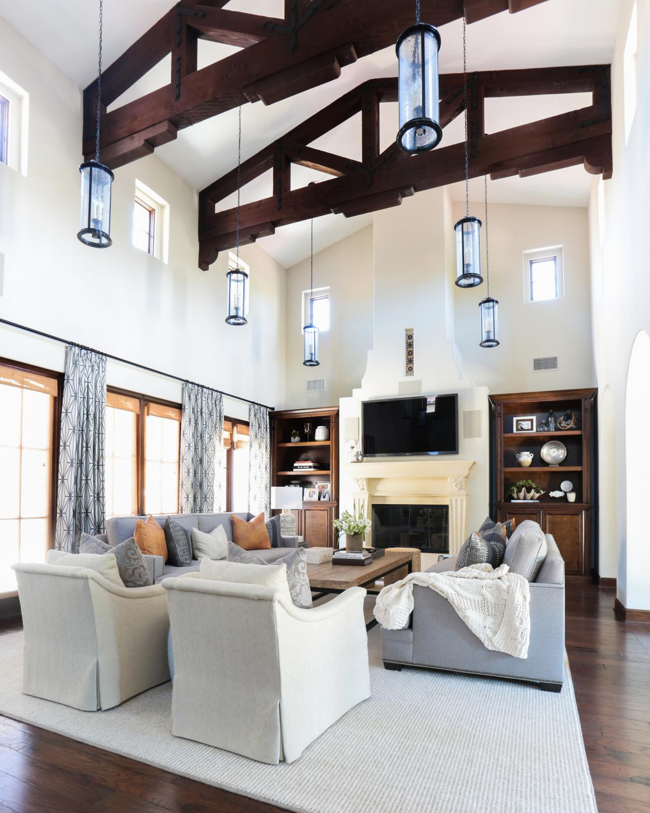 Photo page hgtv - Modern living room ceiling lights ...