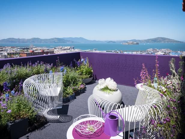 Pollinator-Friendly Terrace Has San Francisco Landmark Views