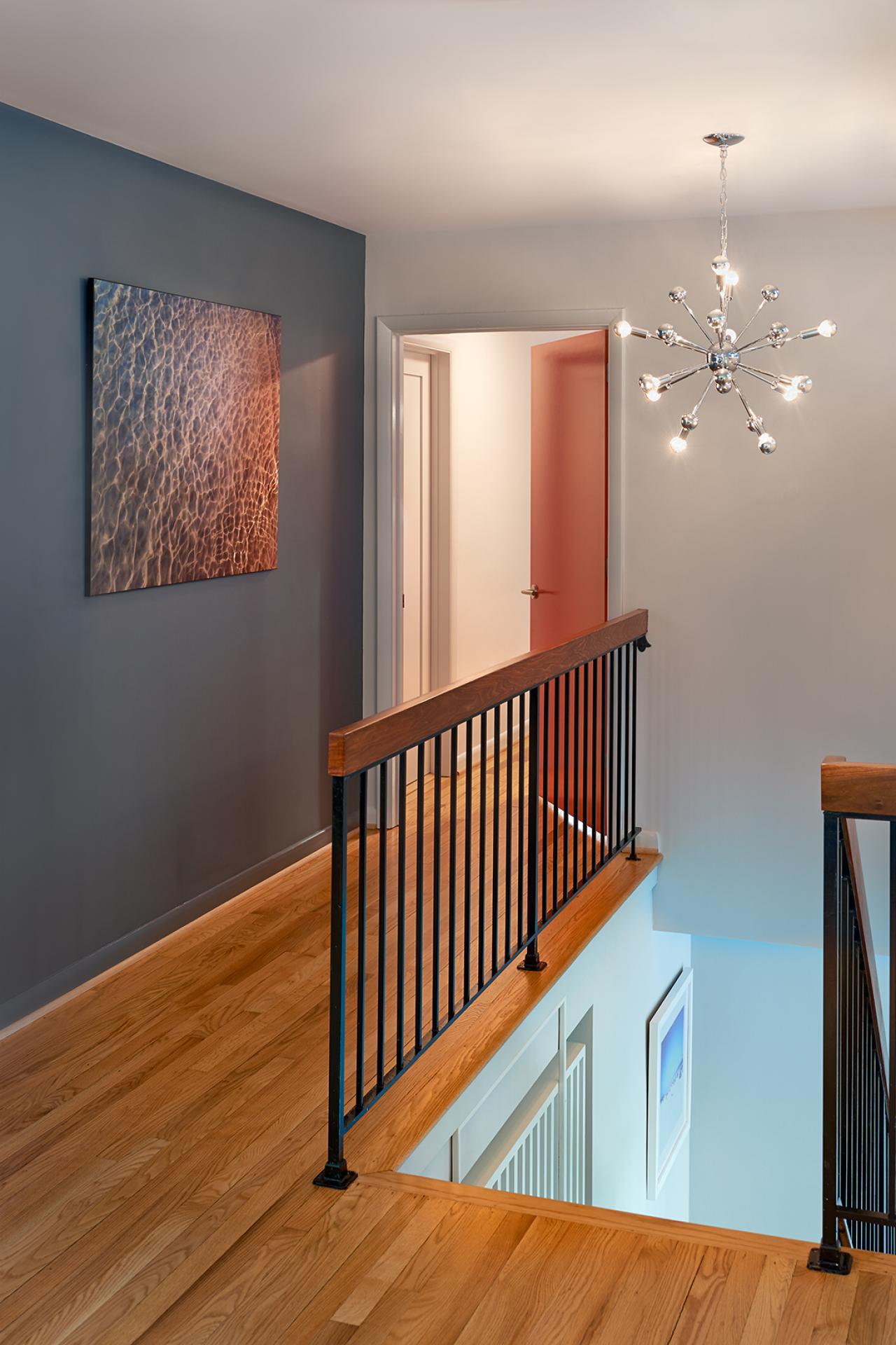 lakefront bargain hunt hgtv. Black Bedroom Furniture Sets. Home Design Ideas