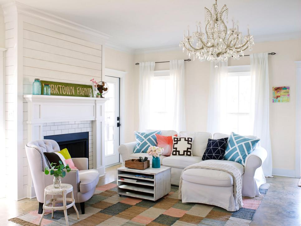 Fixer upper inspired house tour hgtv for Living room pics