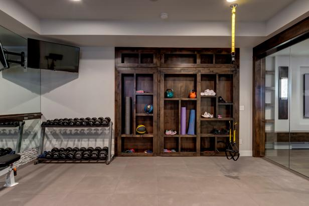 Fully Equipped Home Gym in Modern Basement