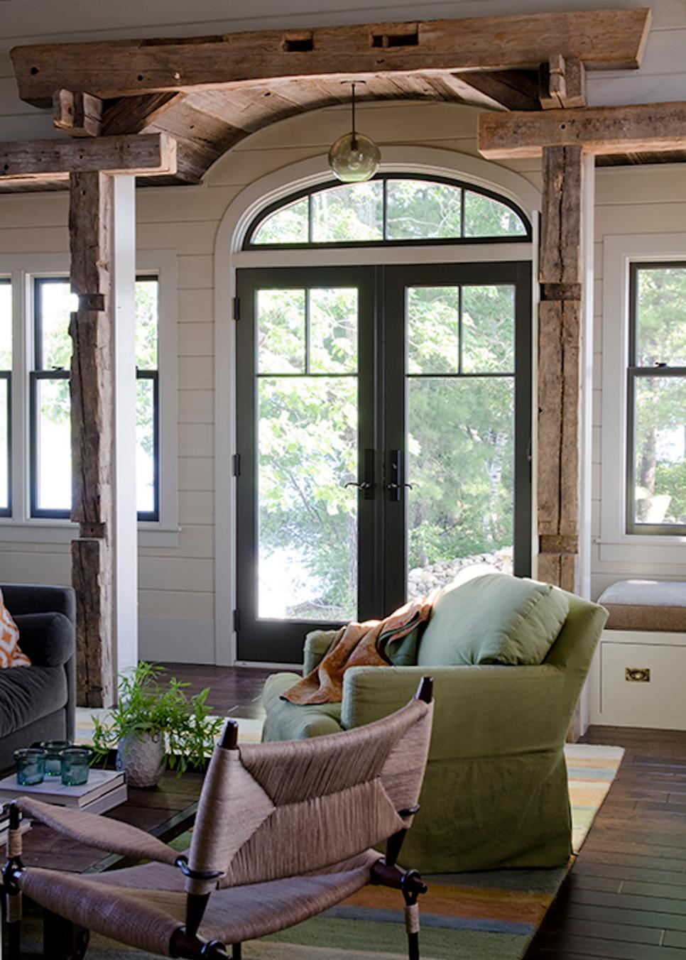 Cozy lakeside cabin with rustic features hgtv faces of for Crest home designs bedding