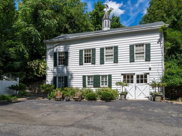 Charming Converted Carriage House
