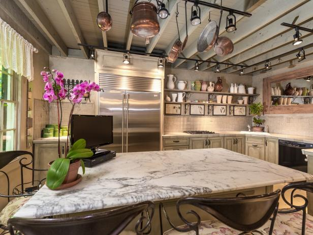Gourmet Kitchen in Converted Carriage House