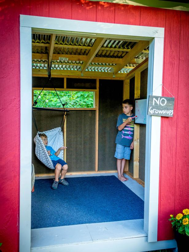 Decorate the  Playhouse Shed with Hammocks and Outdoor Carpet