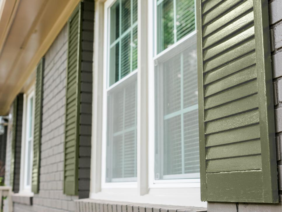 What color should you paint your exterior trim here are 10 colors to try out hgtv - Exterior white trim paint pict ...