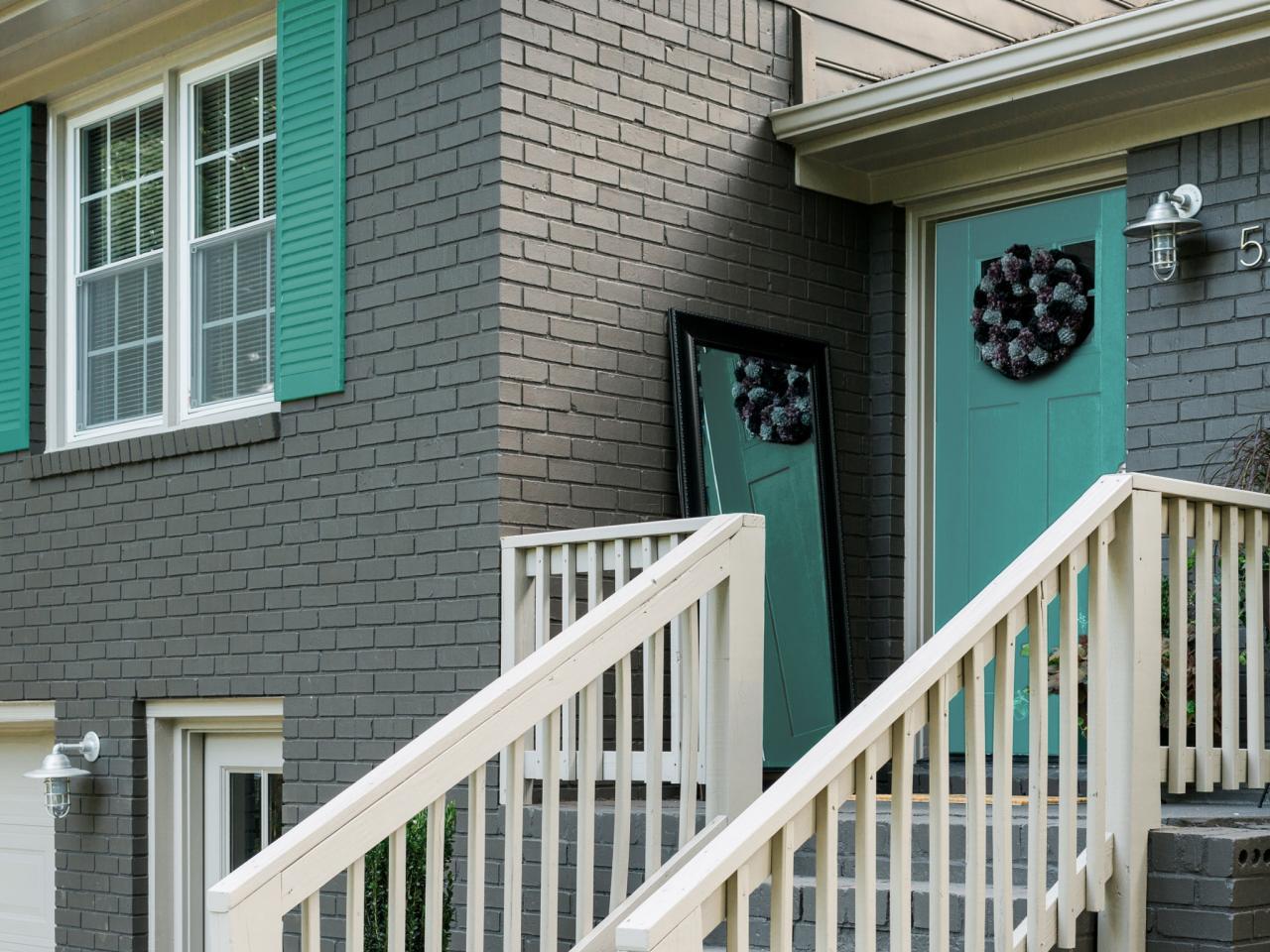 Fall curb appeal ideas hgtv 39 s decorating design blog hgtv - Eggshell exterior paint ideas ...