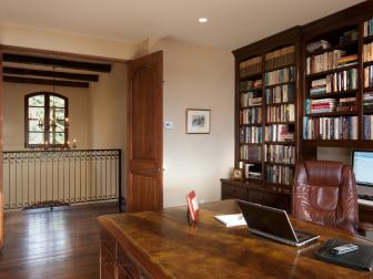 Traditional Home Office is Functional, Stylish