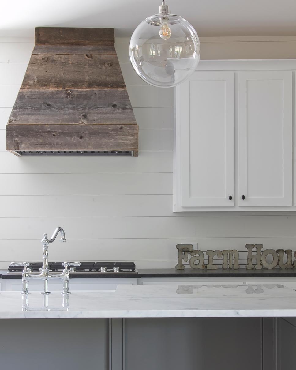 Bringing Farmhouse Style Into A Kitchen