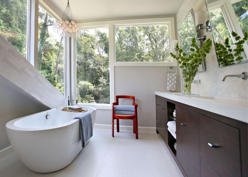 Small bathroom ideas on a budget hgtv for Small bathroom gallery