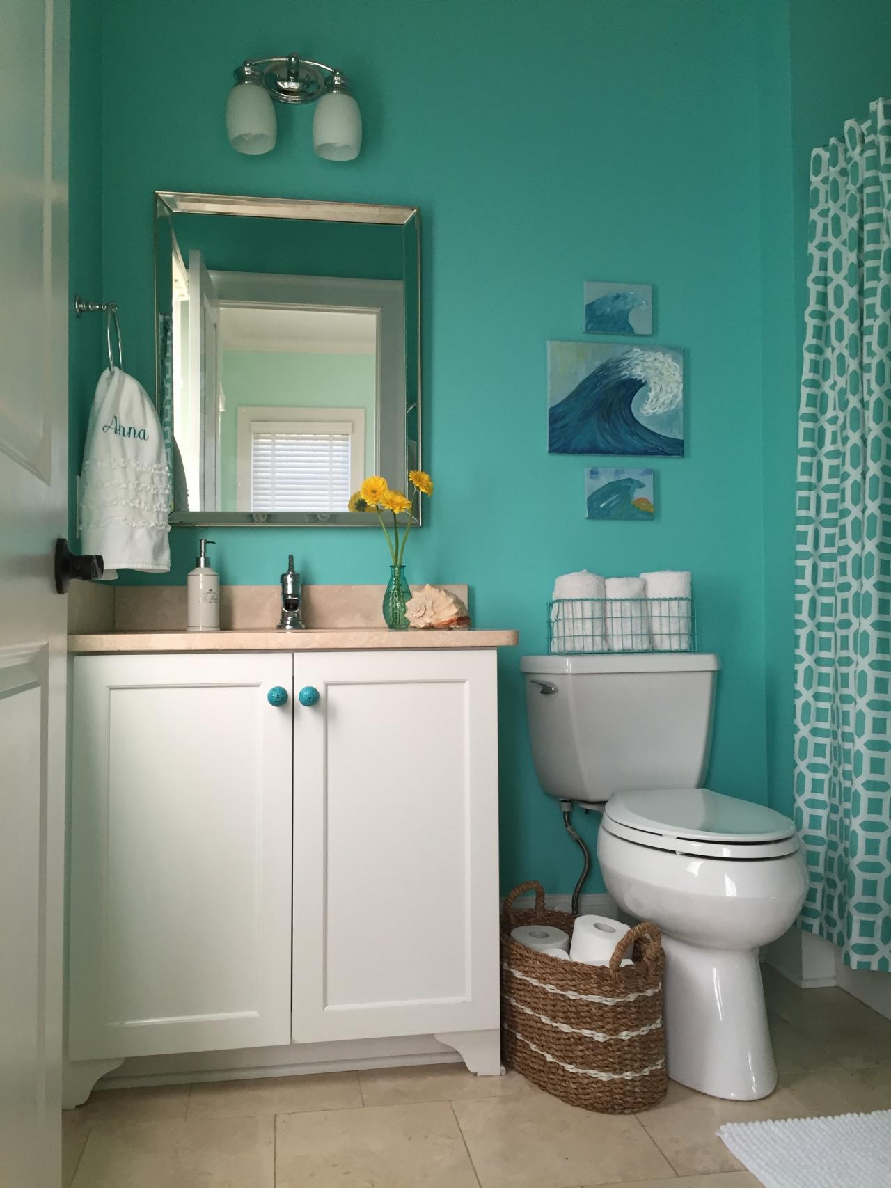 Small bathroom photos hgtv for Bathroom designs hgtv