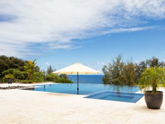 Contemporary Hawaiian Pool and Hot Tub