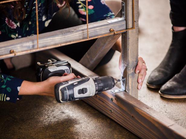 DIY Plant Wall: Reinforce the Legs