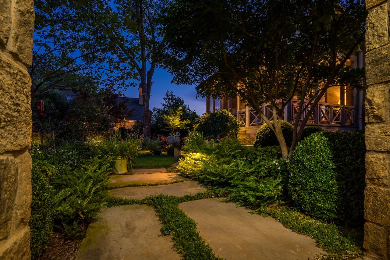 Garden at Night | HGTV