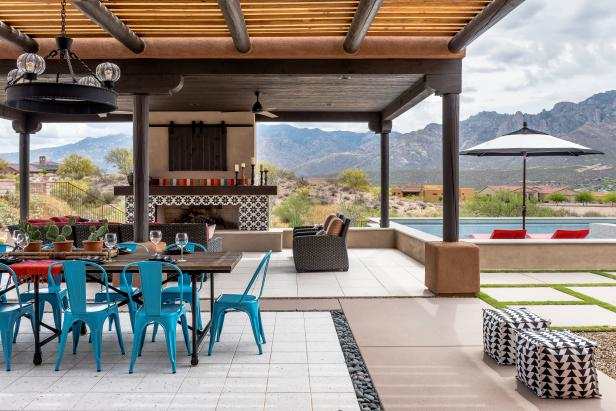 Contemporary Meets Rustic Outdoor Living Space
