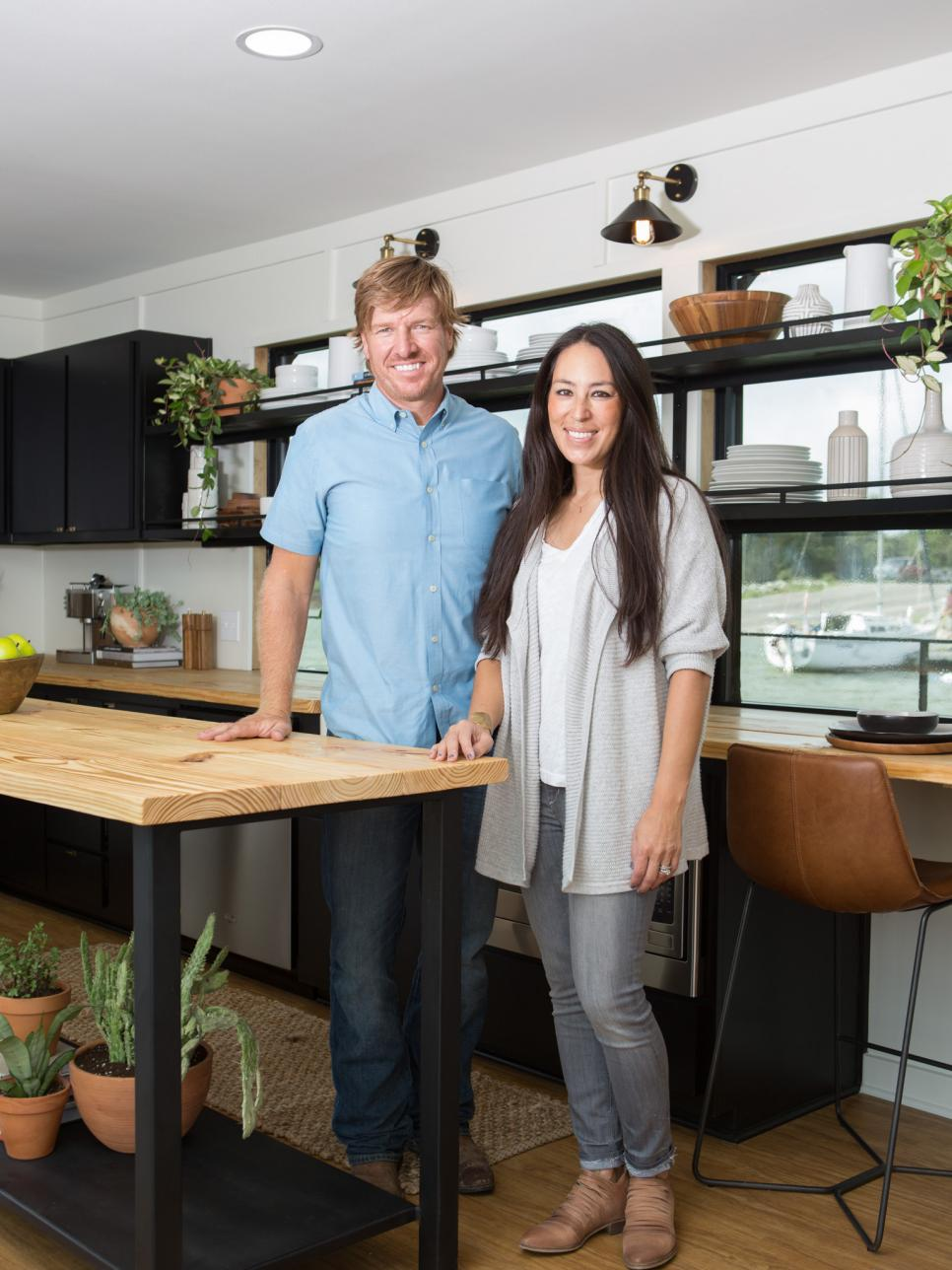 HGTV's Fixer Upper With Chip And