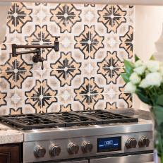 Tile Backsplash Adds Color to Neutral Kitchen