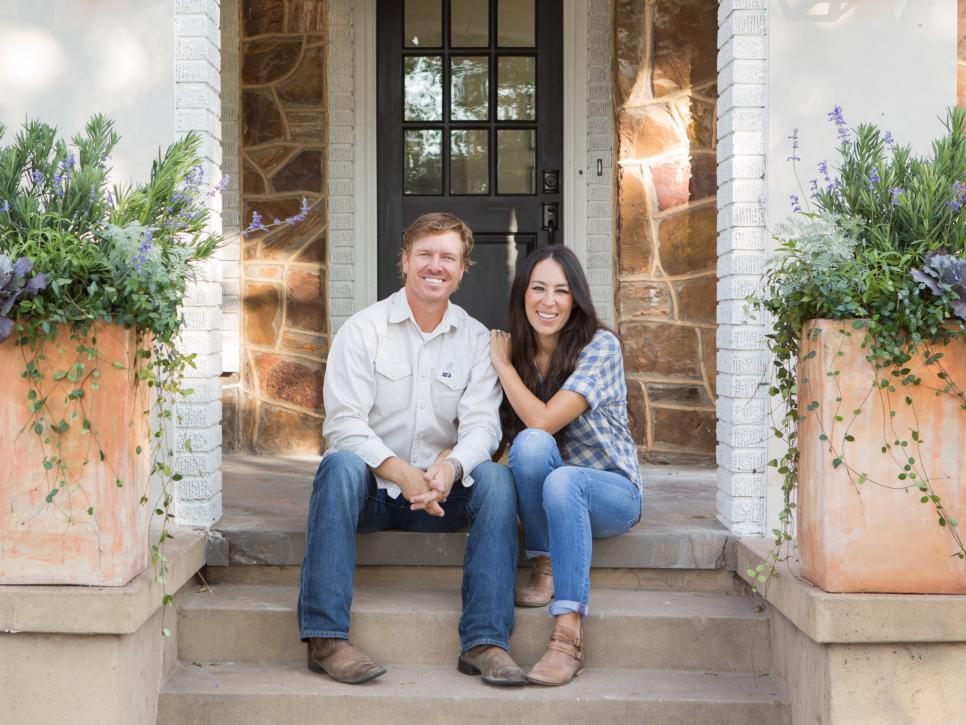 The Flipper Fixer Upper Hgtv S Fixer Upper With Chip And
