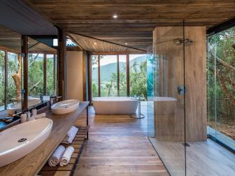 Contemporary Meets Rustic Bathroom is Luxurious