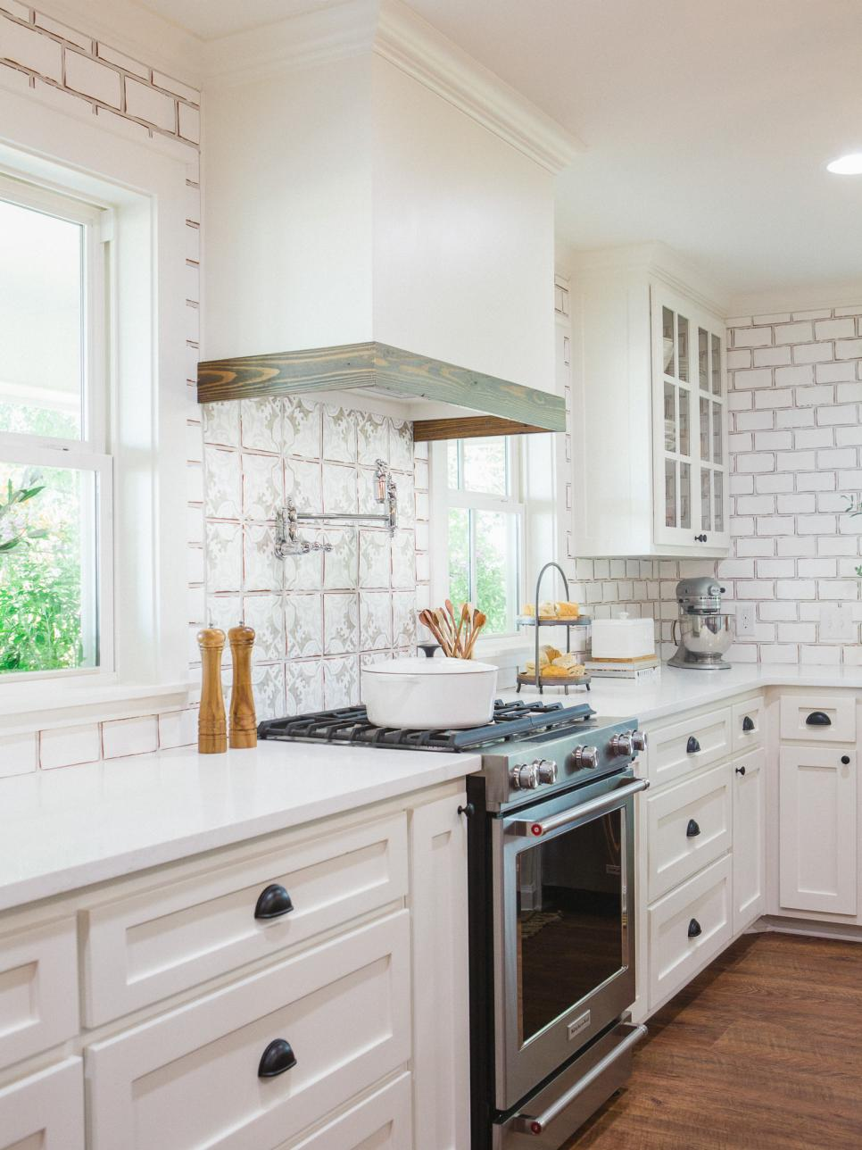 Fixer upper second chance at a home in the country hgtv for Kitchen ideas joanna gaines