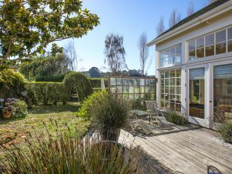 Lush Plantings Create Intimate Views From California Home