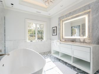 Soaker Tub in Neutral Master Bathroom