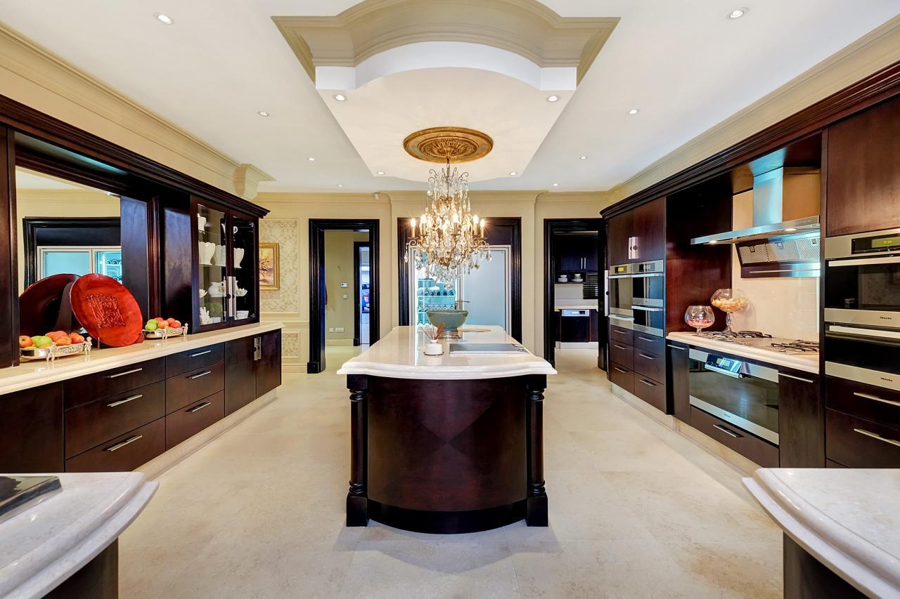 Kitchen island tables pictures ideas from hgtv hgtv for Luxury kitchen johannesburg