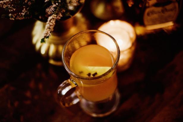 Apple-Cinnamon Slow Cooker Hot Toddy