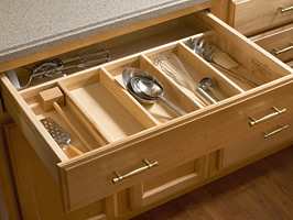 KraftMaid Drawer with Cutlery Divider
