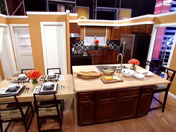 Split level kitchen island video hgtv for Split level kitchen ideas