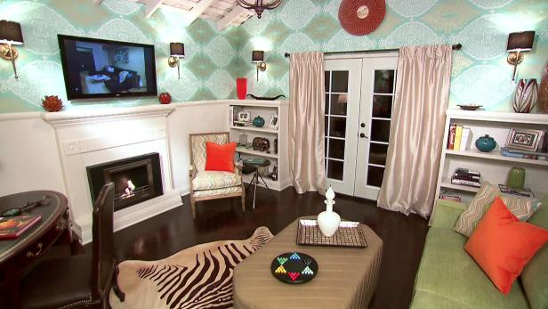 Coastal style living rooms hgtv for Bedroom ideas hotel style