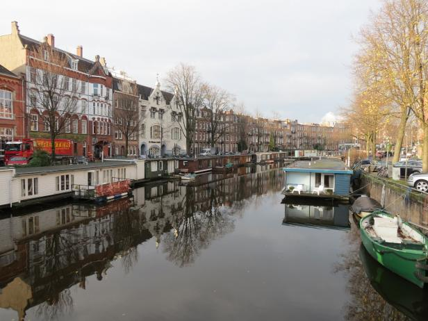 Da Costakade Canal in Amsterdam
