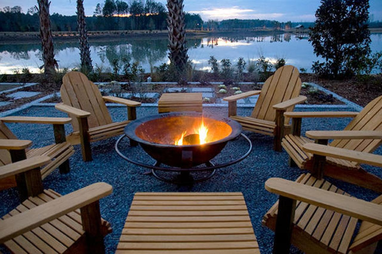 Metal and steel fire pit options hgtv for Buy outdoor fire pit