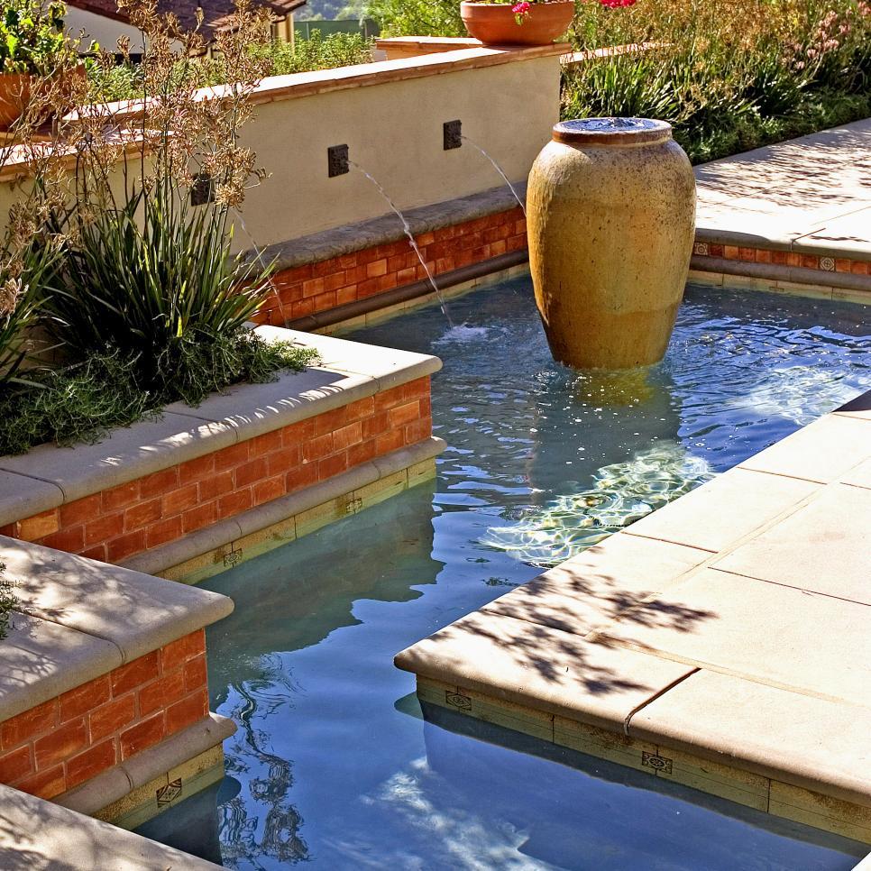 Hgtv Garden Design Ideas: 16 Landscape Ideas That Use Water Features