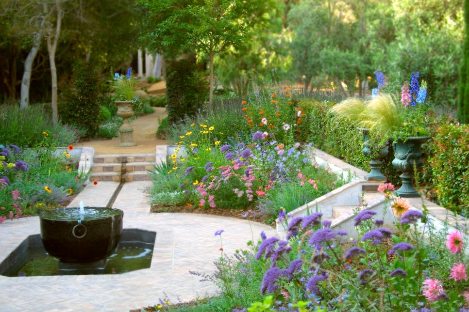 16 landscape ideas that use water features hgtv for Garden landscaping ideas for large gardens