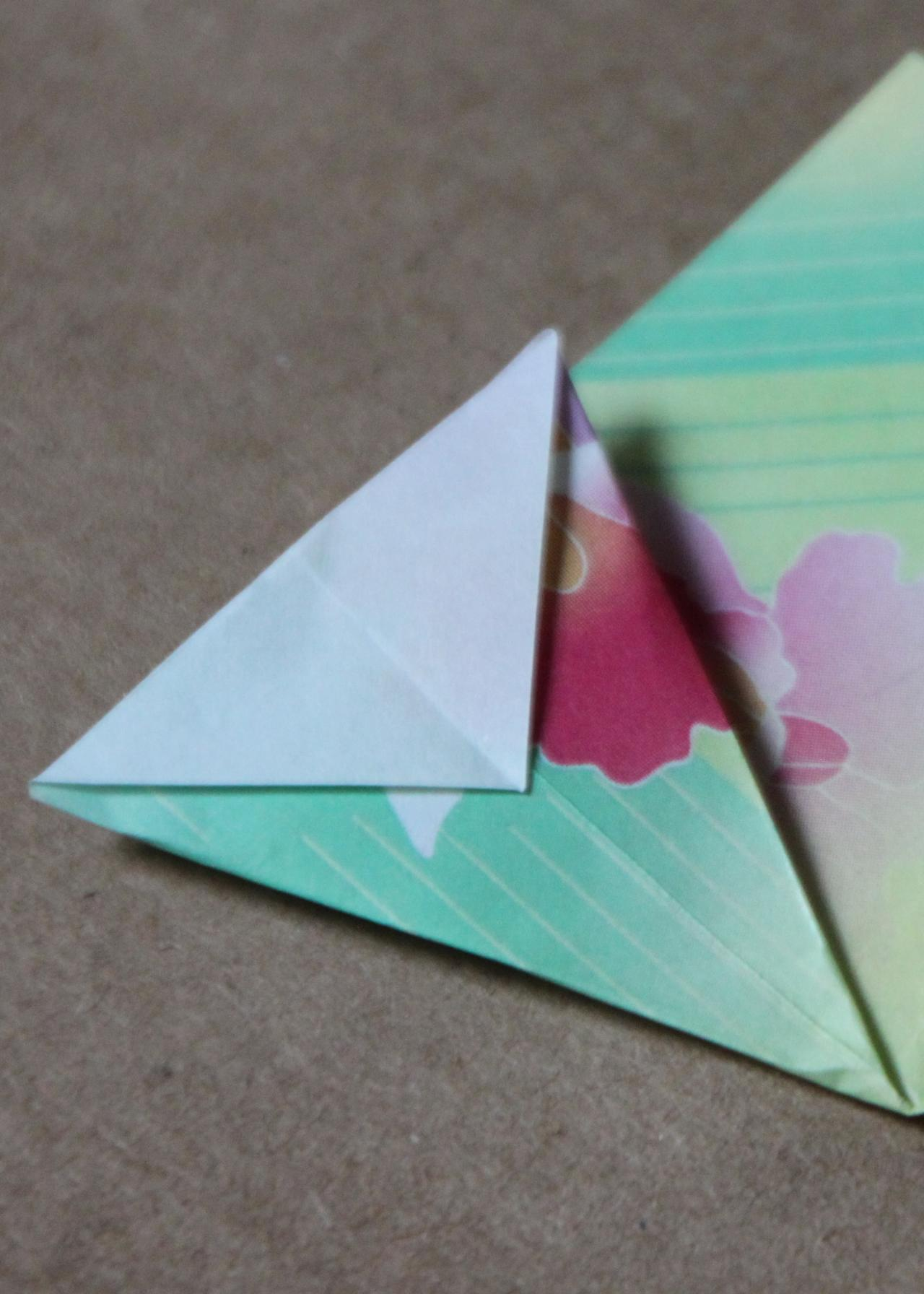 Easy origami flower tutorial hgtv flat cone reviewsmspy