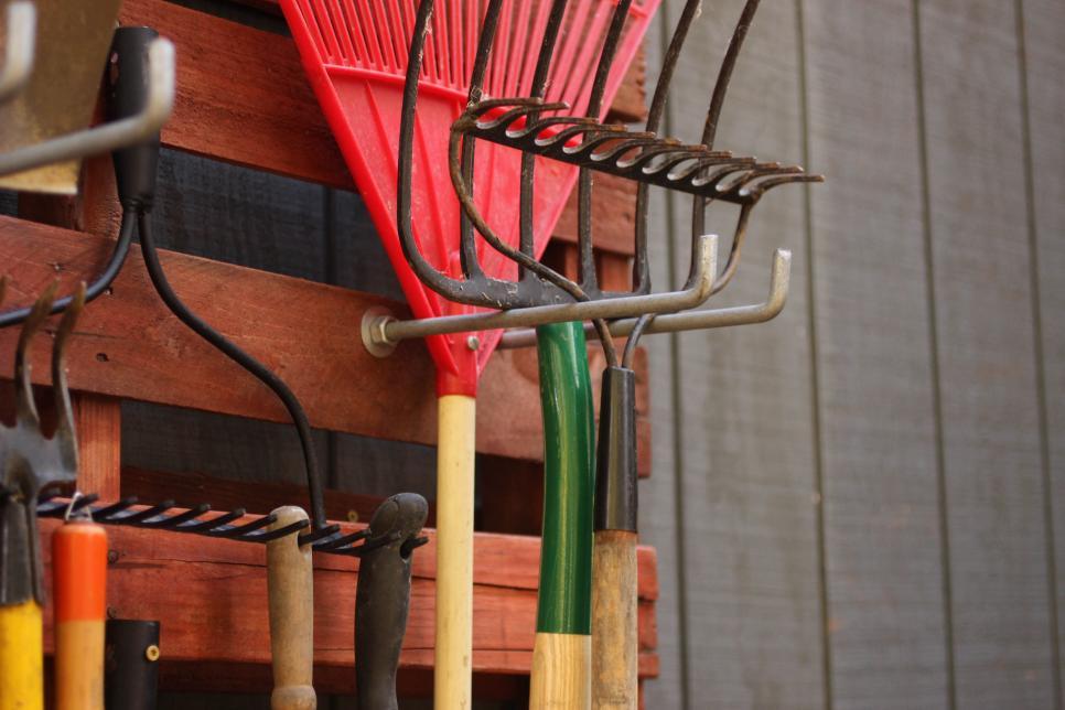 Garden Tools Top Care Tips For Winter Hgtv