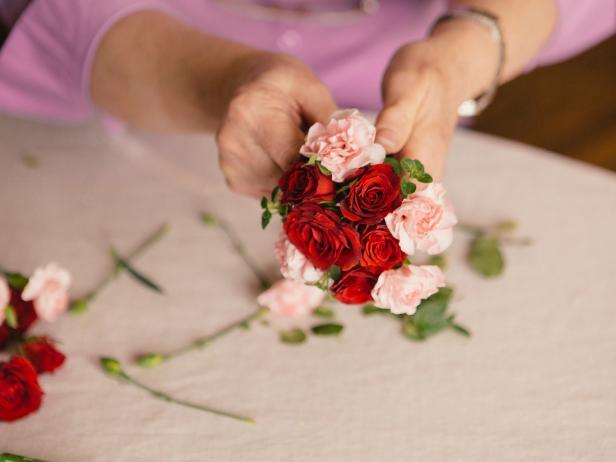 Carnation flower meaning hgtv add carnations mightylinksfo