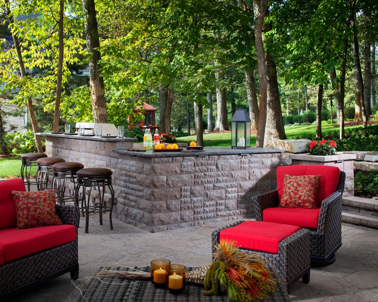 Outdoor patio furniture options and ideas hgtv for Cool outdoor furniture ideas