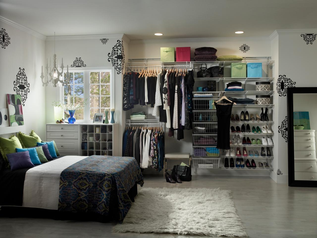 living live closets bedrooms more freedomrail cypress bedroom organized closet in reach
