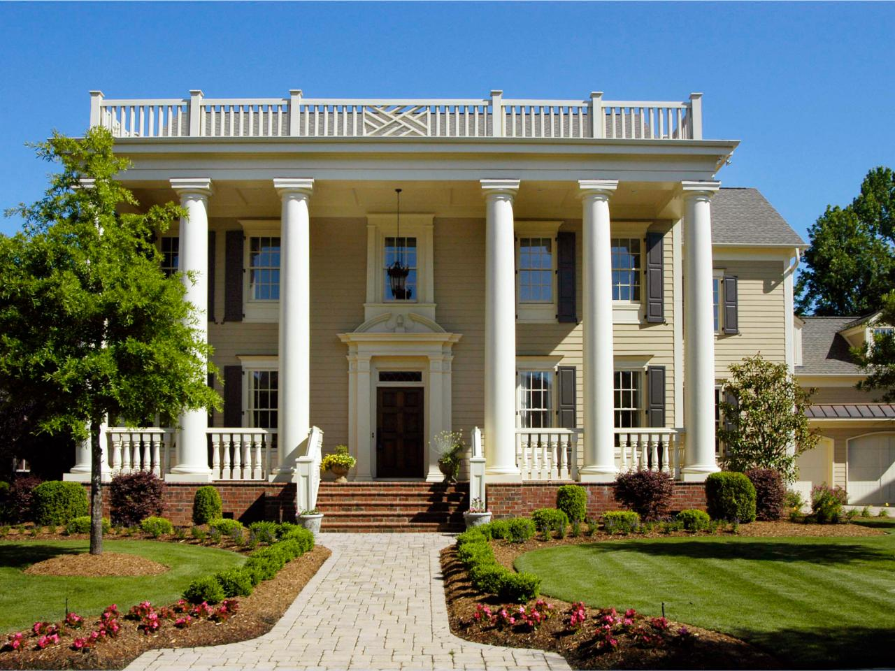 Greek Revival Architecture | HGTV