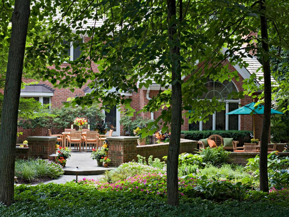 Outdoor Living Designs   HGTV on Outdoor Living Designer id=48041