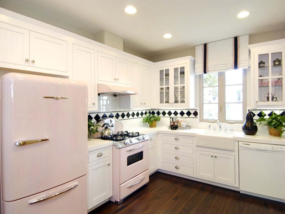 L shaped kitchen designs hgtv for Small white kitchen ideas