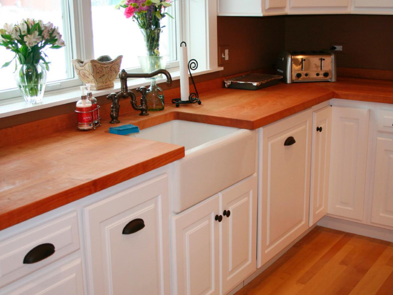 Kitchen Cabinet Pulls: Pictures, Options, Tips & Ideas