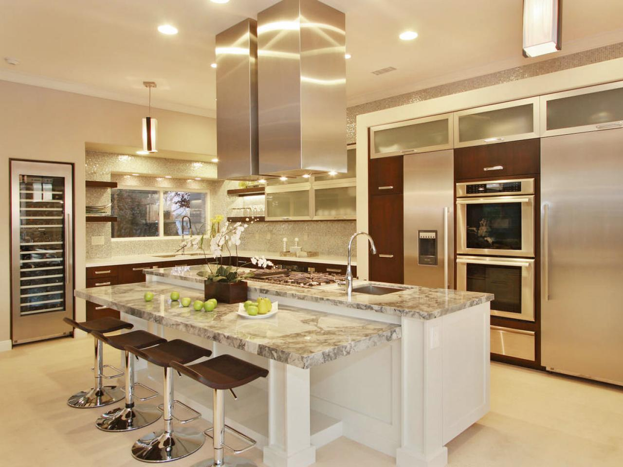 Kitchen layout templates 6 different designs hgtv for Kichan dizain
