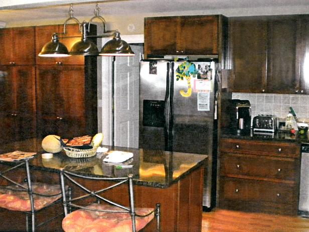 RWP_baker-kitchen-before-island_s4x3