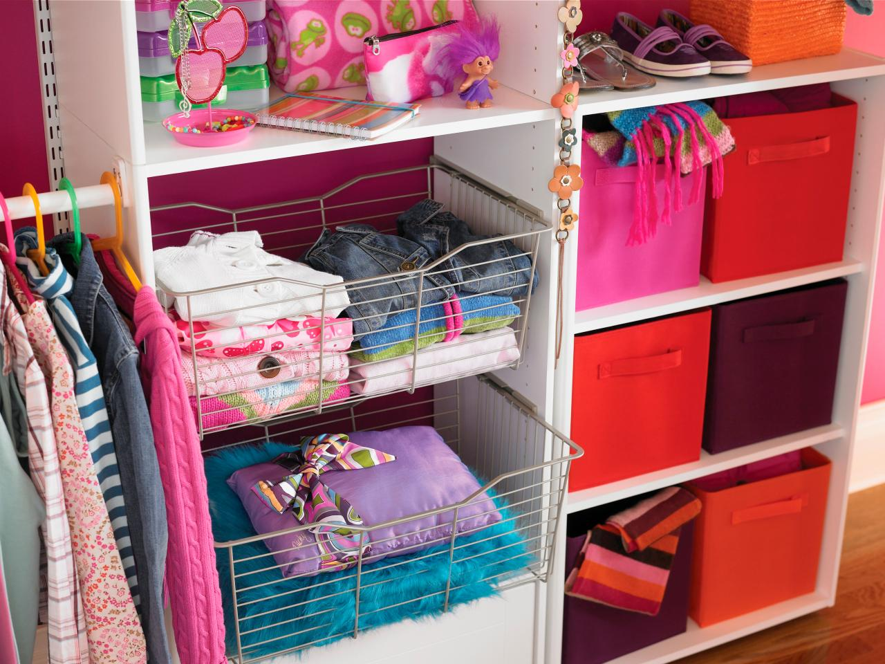 Small closet organization ideas pictures options tips for Storage ideas for small bedrooms with no closet