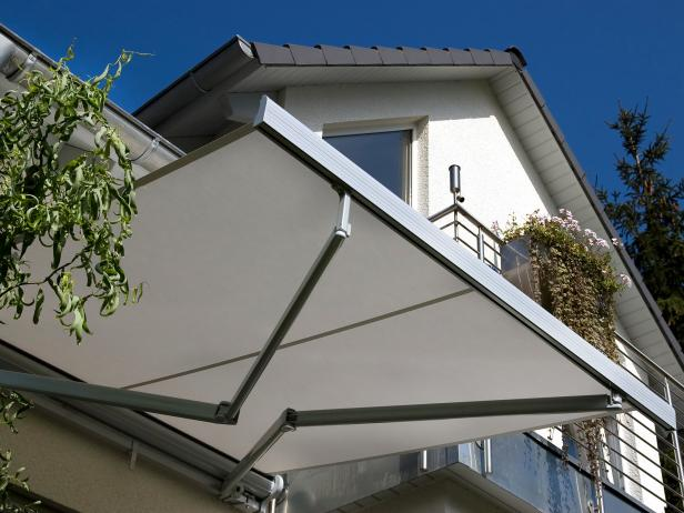 Best Awnings for Decks | DIY