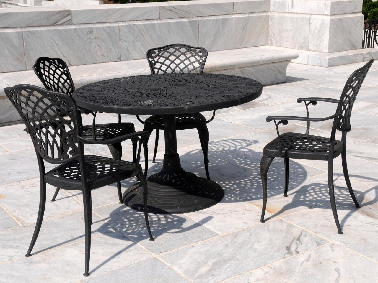 Wrought Iron Patio Furniture & Wrought Iron Patio Furniture | HGTV