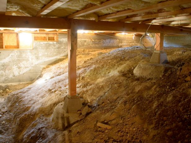 Crawl space insulation what you should know hgtv for Types of insulation for basement